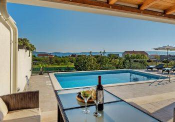 Villa Sirena 8 pax