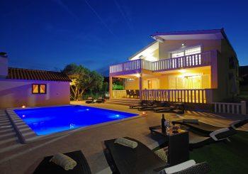 Villa Iva 14 pax